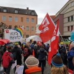 Heute haben wir mit etwa 200 Menschen im Rahmen des Ostermarsches auf dem Moritz...